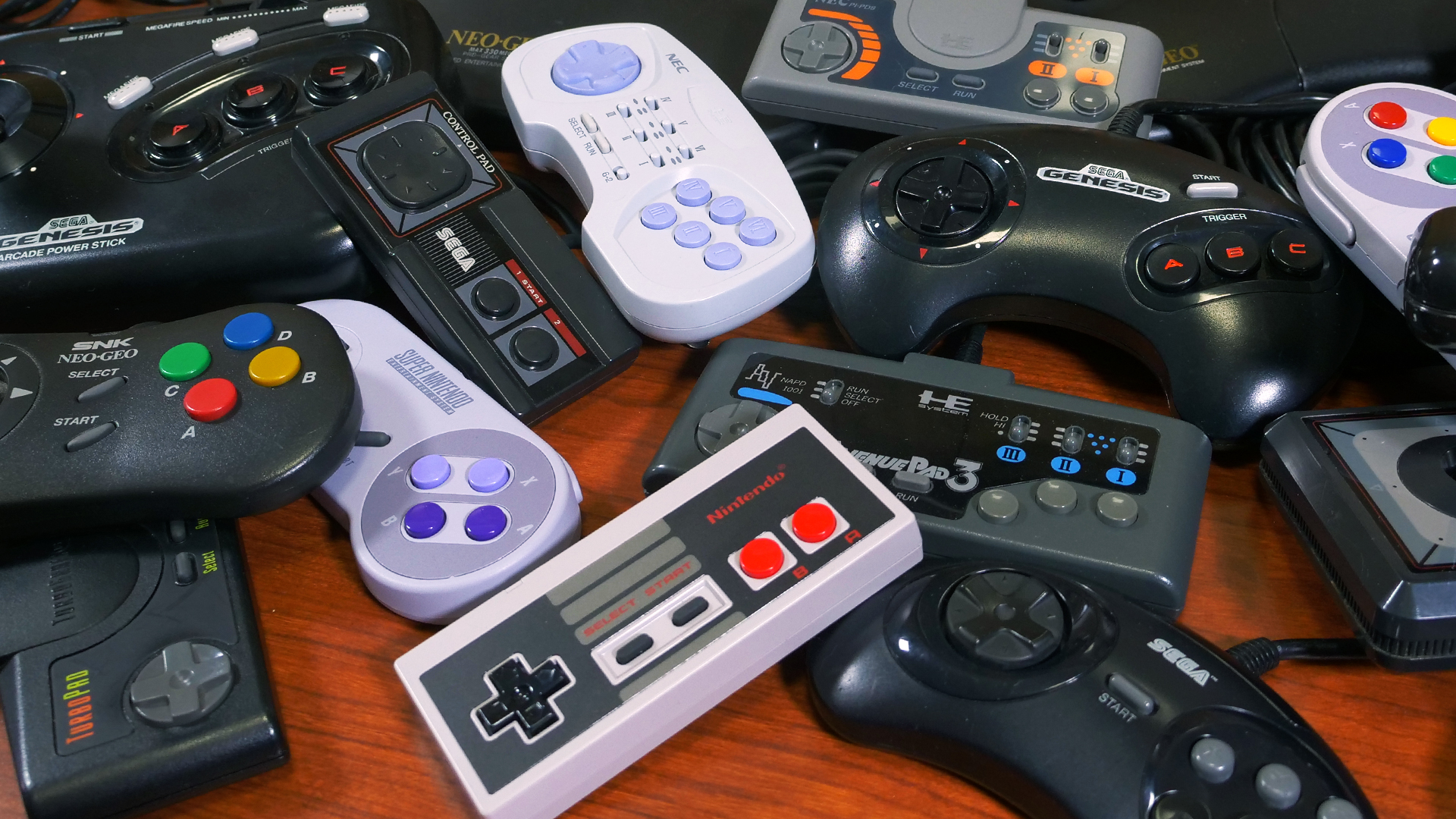 A Look at First-Party Controllers from Famicom to Neo Geo